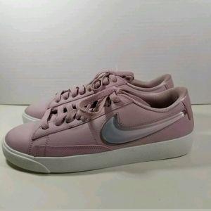 Nike Blazer Low LX